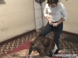 Leaking human pussy gets inseminated by a horny dog