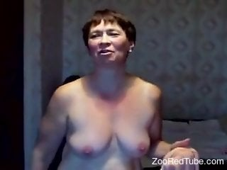 BBW from Russia fucking a good-looking beast o ncam